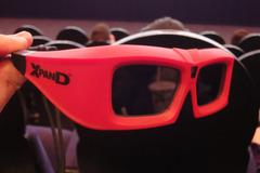 XpanD 方式の 3D メガネ