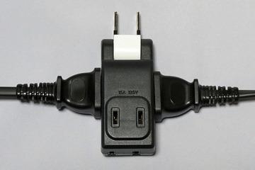 超小型電源タップ