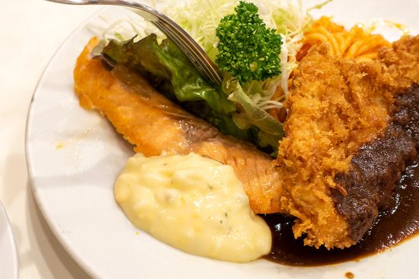 レストラン 桂