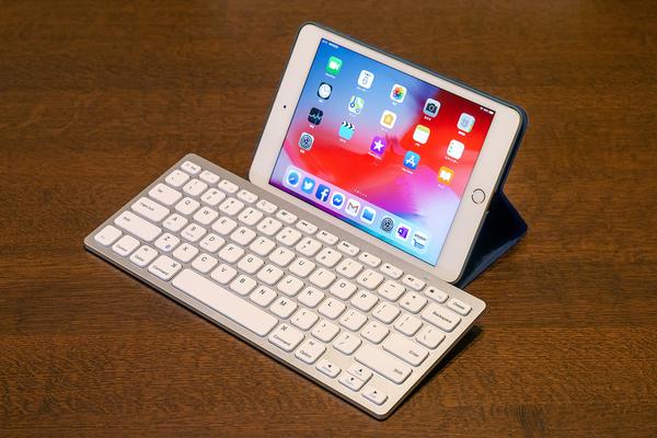 f25716af61 普段使っているデスクトップ PC とは画面サイズが全然違うから効率ではさすがに負けますが、それなりに実用になる感じ。今の iPad mini  の性能ならばある程度の画像 ...